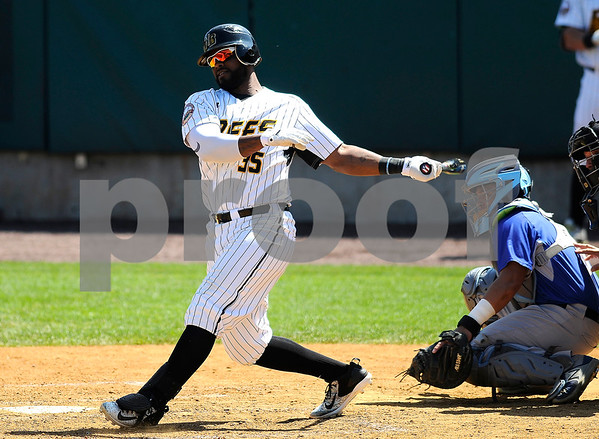 8/31/2017 Mike Orazzi | Staff New Britain Bees' Jovan Rosa (35) Wednesday morning.
