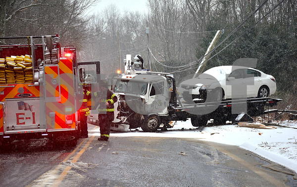 2/7/2018 Mike Orazzi | Staff The scene of a multi vehicle crash in the 500 block of Willis Street during Wednesday's storm in Bristol.