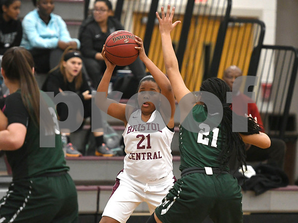 1/16/2018 Mike Orazzi | Staff Bristol Central Girls Basketball's Ideara Gordon (21) during Tuesday night's game with Maloney in Bristol.