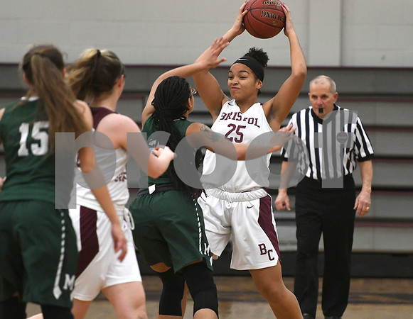 1/16/2018 Mike Orazzi | Staff Bristol Central Girls Basketball's Xia'ian Carrasco (25) during Tuesday night's game with Maloney in Bristol.