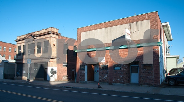 01/25/18 Wesley Bunnell   Staff The Arch St. Area NRZ and Alderwoman Eva Magnuszewski are holding a walk through the Arch and Glen St neighborhoods to discuss issues and potential solutions. Properties located at the intersection of Arch and Grand St.