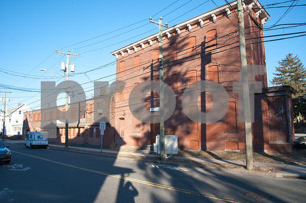 01/25/18 Wesley Bunnell   Staff The Arch St. Area NRZ and Alderwoman Eva Magnuszewski are holding a walk through the Arch and Glen St neighborhoods to discuss issues and potential solutions. An empty and former manufacturing building on Glen St.