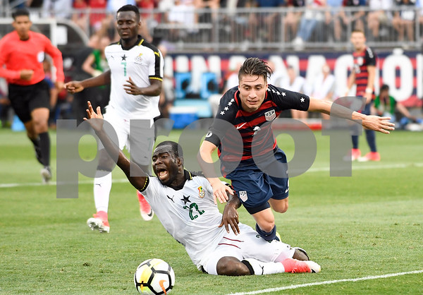 070117 Wesley Bunnell | Staff The United States mens' national team defeated Ghana in an international friendly 2-1 on Saturday afternoon at Rentschler Field. USA D Jorge Villafana (2).