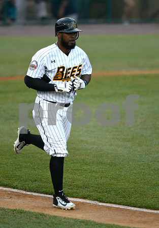 7/1/2017 Mike Orazzi | Staff The Bees' Jovan Rosa (35) Saturday night.