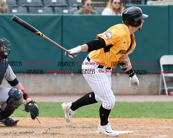 050317 Wesley Bunnell | Staff New Britain Bees vs Somerset Patriots in a Wednesday morning game attended by areas school children. Craig Maddox (24)