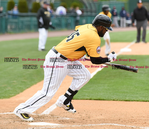 050317 Wesley Bunnell | Staff New Britain Bees vs Somerset Patriots in a Wednesday morning game attended by areas school children. Jovan Rosa (35).