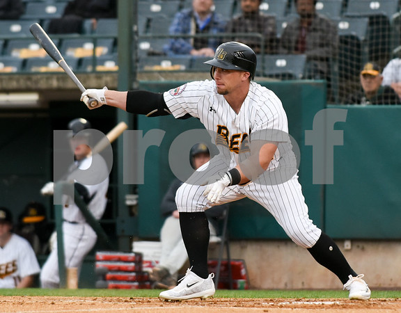050417 Wesley Bunnell | Staff The New Britain Bees vs the Somerset Patriots on Thursday evening. Craig Maddox (24).