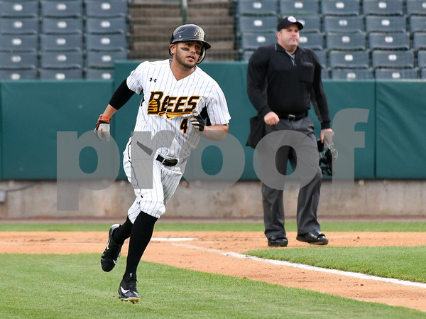050417 Wesley Bunnell | Staff The New Britain Bees vs the Somerset Patriots on Thursday evening. Steve Carillo (4) runs down the first base line.