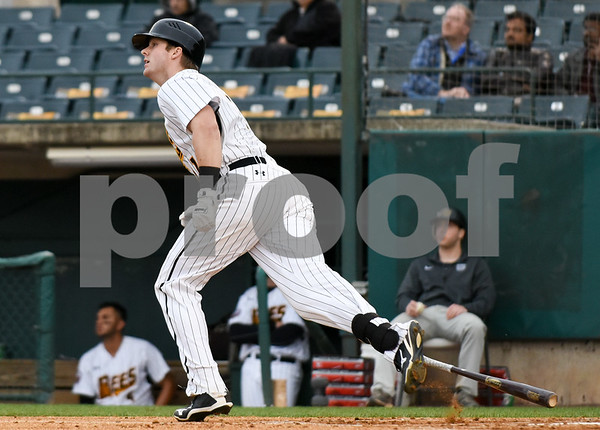 050417 Wesley Bunnell | Staff The New Britain Bees vs the Somerset Patriots on Thursday evening. Right fielder Paul Kronenfeld (11).