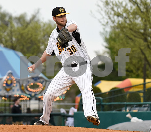 050417 Wesley Bunnell | Staff The New Britain Bees vs the Somerset Patriots on Thursday evening. Bees starting pitcher Brian Dupra (30).
