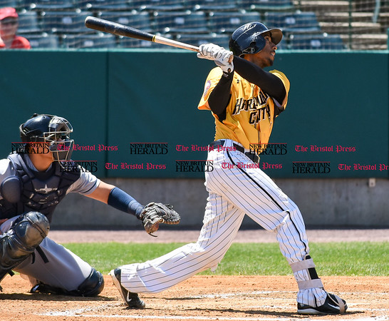 051617 Wesley Bunnell | Staff The New Britain Bees vs the Bridgeport Bluefish in the 2nd game of a double header played early afternoon on Tuesday. James Skelton (3)