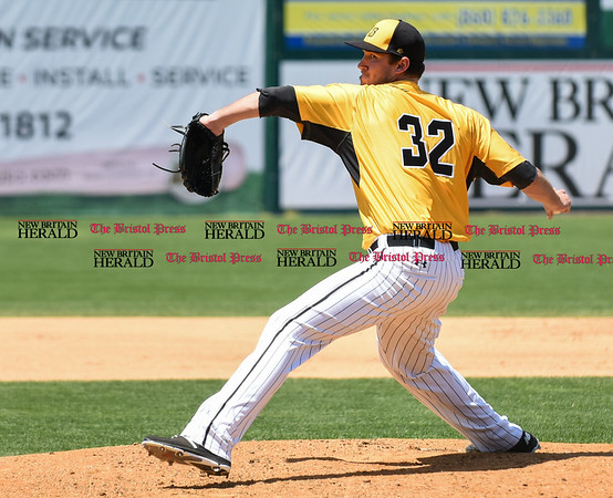 051617 Wesley Bunnell   Staff The New Britain Bees vs the Bridgeport Bluefish in the 2nd game of a double header played early afternoon on Tuesday. Jonathan Pettibone (32)
