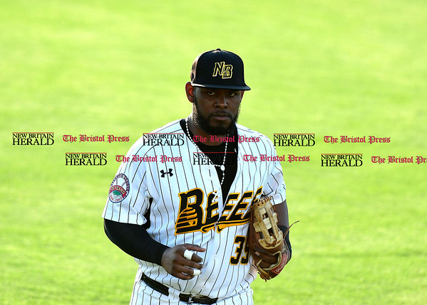 5/17/2017 Mike Orazzi | Staff New Britain Bees' Jovan Rosa (35) Wednesday night.