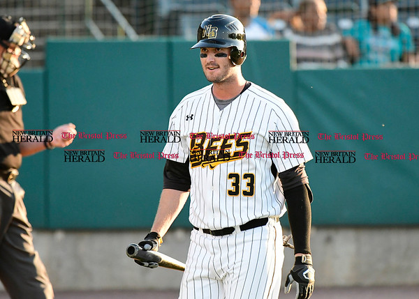 5/17/2017 Mike Orazzi | Staff New Britain Bees' Jonathan Griffin (33) Wednesday night.