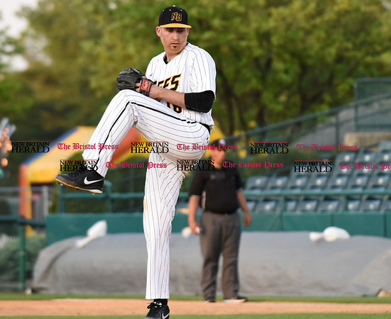 051817 Wesley Bunnell | Staff New Britain Bees starter Kyle Simon (18) vs the Bridgeport Bluefish on Thursday evening.