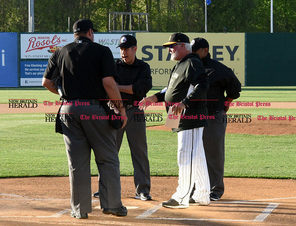 050217 Wesley Bunnell | Staff The New Britain Bees vs Somerset Patriots on Tuesday evening. Bees manager Stan Cliburn prepares to exchange lineups.