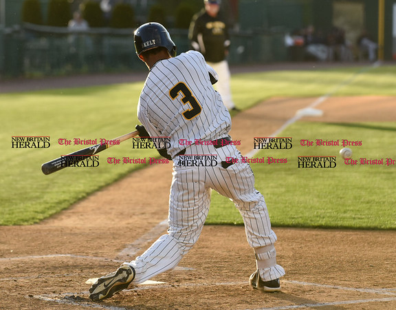 050217 Wesley Bunnell | Staff The New Britain Bees vs Somerset Patriots on Tuesday evening. James Skelton (3) breaks his bat on the swing.