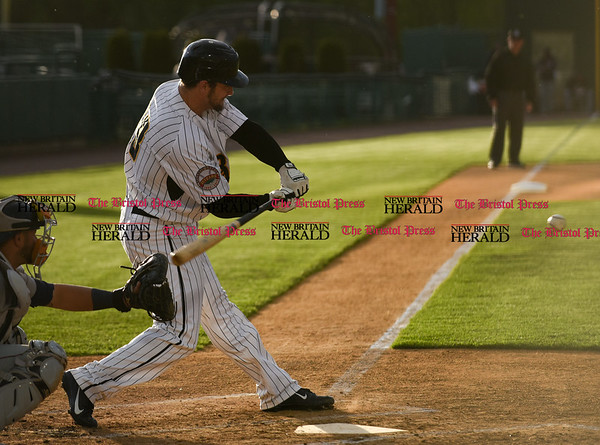 050217 Wesley Bunnell   Staff The New Britain Bees vs Somerset Patriots on Tuesday evening. Conor Bierfeldt (28)