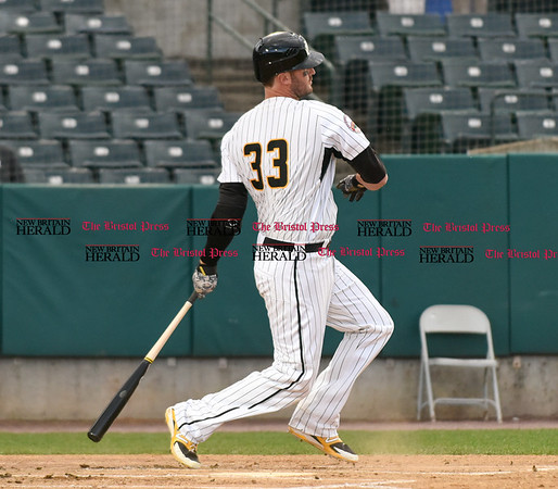 050217 Wesley Bunnell | Staff The New Britain Bees vs Somerset Patriots on Tuesday evening. Jon Griffin (33)