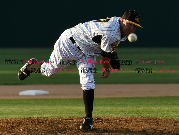 050217 Wesley Bunnell   Staff The New Britain Bees vs Somerset Patriots on Tuesday evening. Jason Jarvis (27)