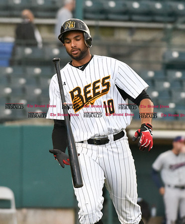 050217 Wesley Bunnell | Staff The New Britain Bees vs Somerset Patriots on Tuesday evening. Mike Crouse (10)