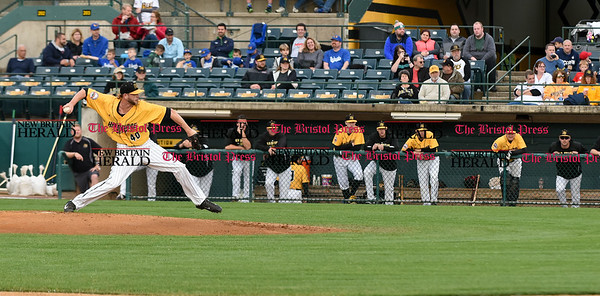 052617 Wesley Bunnell | Staff The New Britain Bees were defeated by the Southern Maryland Blue Crabs 3-1 on Friday evening. Mike Lee (40) delivers a pitch in the first inning.