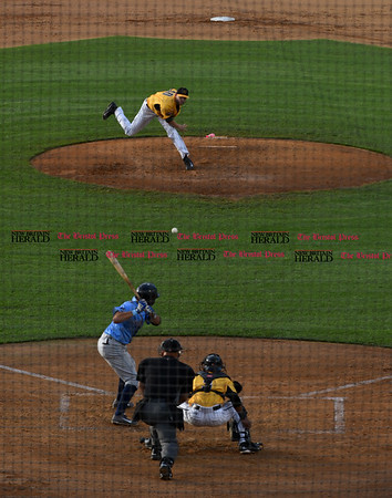 052617 Wesley Bunnell | Staff The New Britain Bees were defeated by the Southern Maryland Blue Crabs 3-1 on Friday evening. Mike Lee (40) delivers a pitch in the third inning.