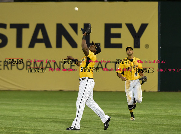 052617 Wesley Bunnell | Staff The New Britain Bees were defeated by the Southern Maryland Blue Crabs 3-1 on Friday evening. Jamar Walton (6) tracks a fly ball.