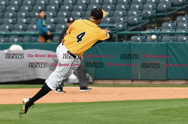 052617 Wesley Bunnell | Staff The New Britain Bees were defeated by the Southern Maryland Blue Crabs 3-1 on Friday evening. Steve Carillo (4) makes a throw on the run to first.