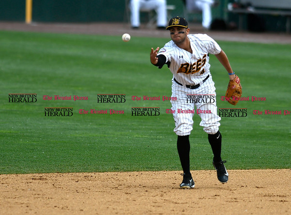5/27/2017 Mike Orazzi | Staff New Britain Bees' Steve Carrillo (4) during Saturday's game with the Southern Maryland Blue Crabs.