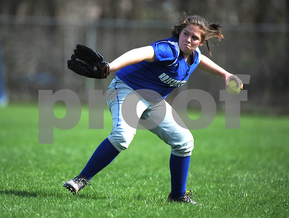 5/2/2018 Mike Orazzi | Staff Bristol Eastern's Riley Giblin (4) during Wednesday's softball with Bristol Central at BE.