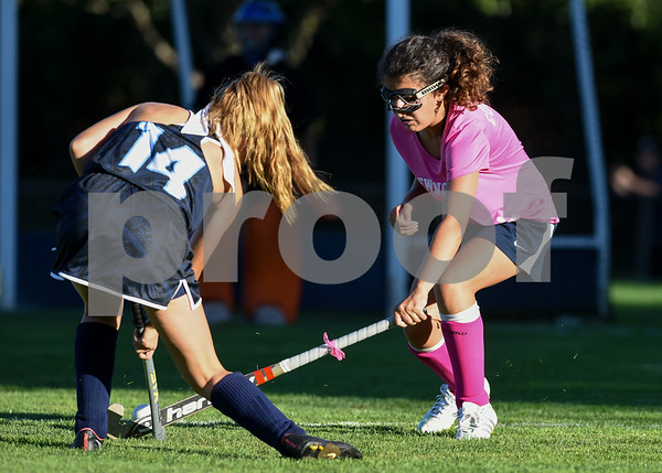 10/10/17 Wesley Bunnell | Staff Easton vs Newington field hockey on Tuesday afternoon at Newington High School. Bella Gugliotti (3).