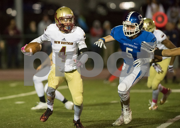 10/20/17 Wesley Bunnell | Staff New Britain vs Southington football on Friday evening at Southington High School. Tahje Yopp (4).