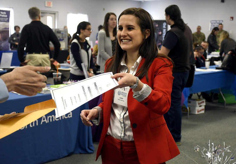 CareerFair-SO-041318_3363::2