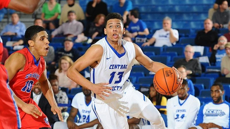 CCSU men's basketball 11-12