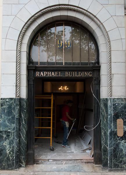 RaphaelBuilding-nb-081917-1