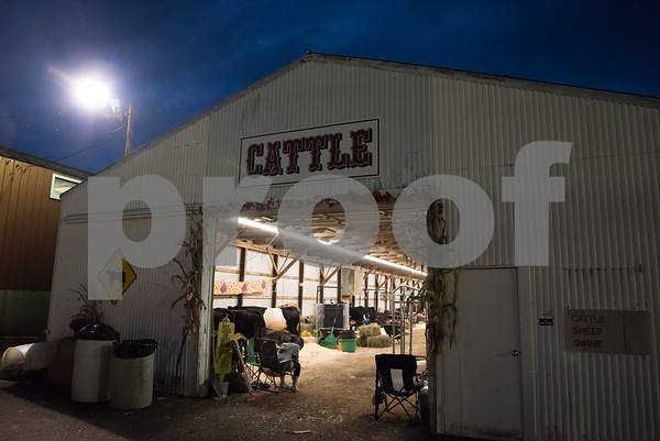 09/14/17 Wesley Bunnell | Staff Vendors spent spent the evening setting up for the Berlin Fair on Thursday.