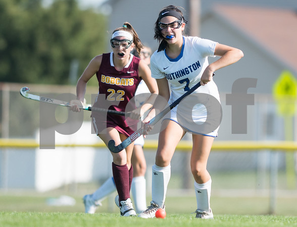 09/26/17 Wesley Bunnell | Staff South Windsor at Southington field hockey on Tuesday afternoon at Southington High School. Jenna Garcia (7).