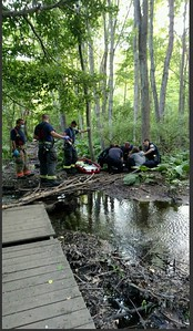 first-responders-work-together-to-help-carry-injured-hiker-to-safety