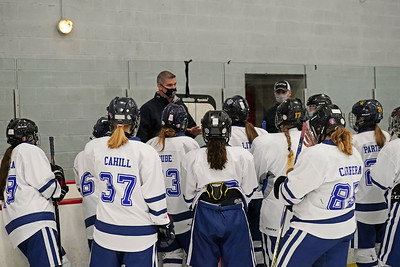 a-lot-of-it-has-to-do-with-our-leadership-avonsouthingtonnewingtonwethersfieldlewis-millsrhamcoventry-girls-ice-hockey-is-representing-a-lot-of-schools-but-building-fast-chemistry