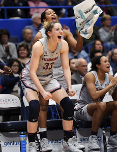 samuelson-breaks-out-of-shooting-slump-nets-31-points-in-uconn-womens-basketball-victory-over-east-carolina