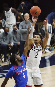 uconn-mens-basketball-guard-bouknight-has-elbow-surgery-out-indefinitely
