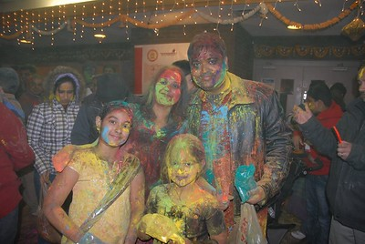festival-of-colors-at-vallabhdham-temple-saturday-march-31