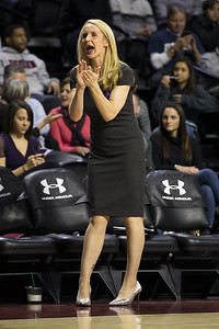 uconn-womens-basketball-assistant-coach-shea-feels-for-tennessee-during-losing-streak