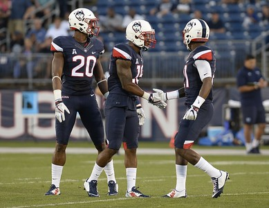 brice-mcallister-says-there-is-a-buzz-to-uconn-football-with-randy-edsall-back