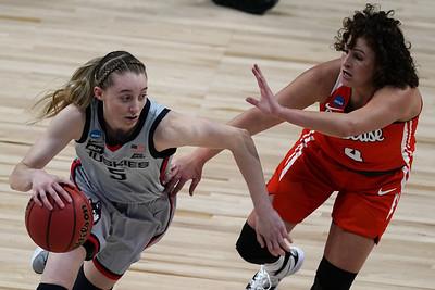 bueckersclark-matchup-highlights-meeting-between-uconn-iowa-womens-basketball-teams