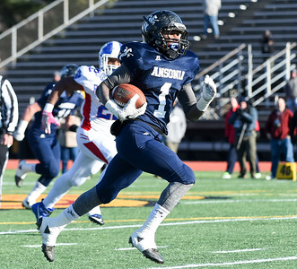 football-preview-championship-games-full-of-intriguing-matchups-but-bad-weather-forecasts-forces-ciac-to-move-all-but-class-ll-title-game-to-monday