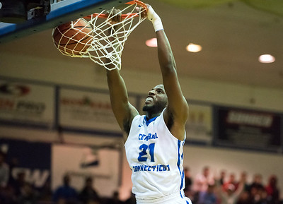 ccsu-mens-basketball-falls-in-final-seconds-to-wagner