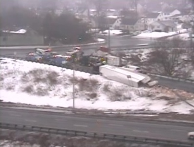 overturned-tractor-trailer-closed-part-of-i84-in-plainville-saturday