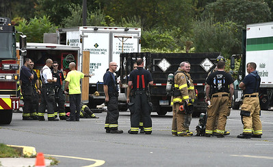 tractor-trailer-spills-more-than-200-gallons-of-unidentified-chemical-in-southington